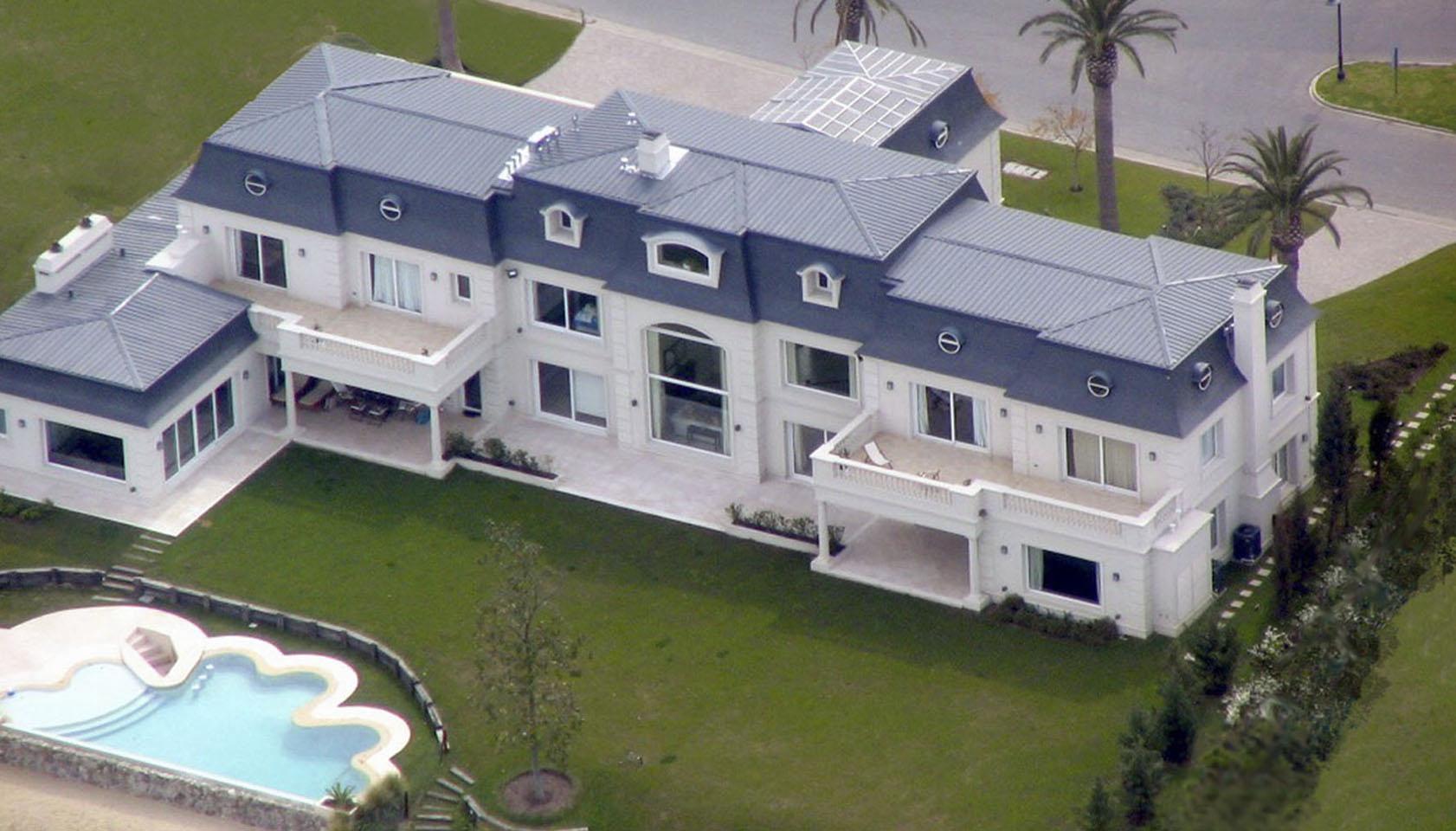mansiones neoclásicas, casas lujosas, casas neoclásicas, casas con techos franceses