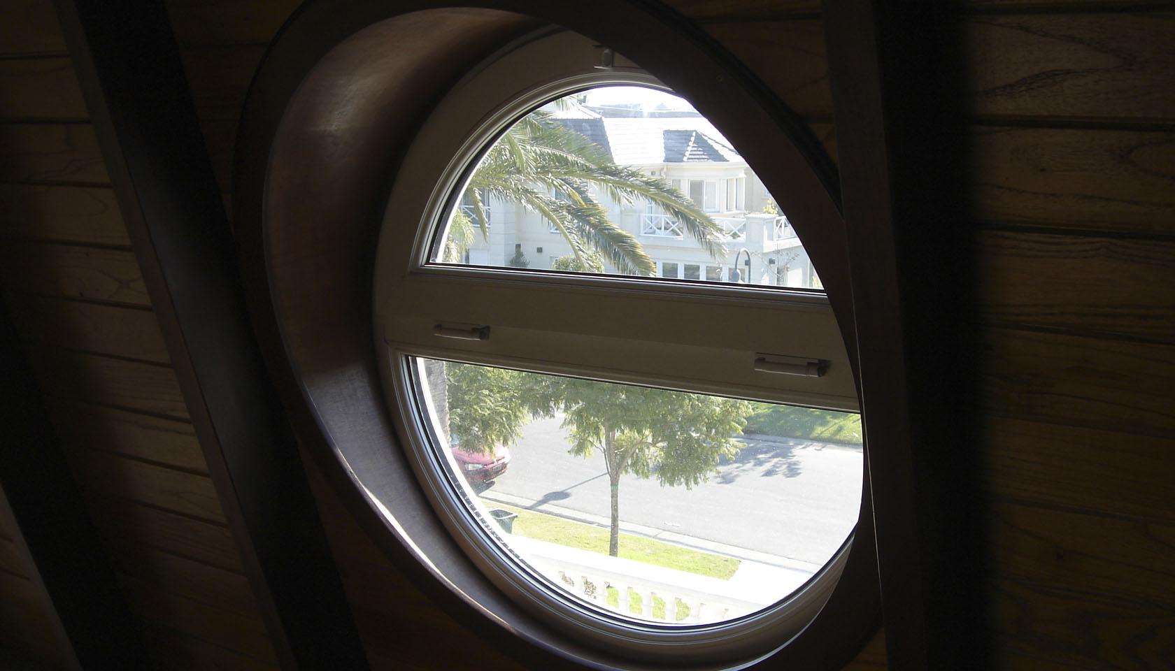 ventanas en mansardas, revestimiento interior de madera