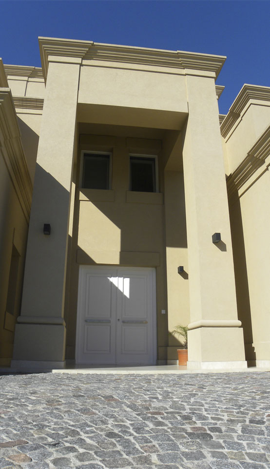 ingreso a viviendas clásicas, arquitectura ecléctica