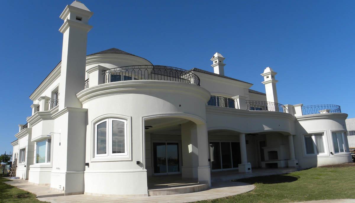 casas blancas, casas con ornamento, galerías neoclásicas