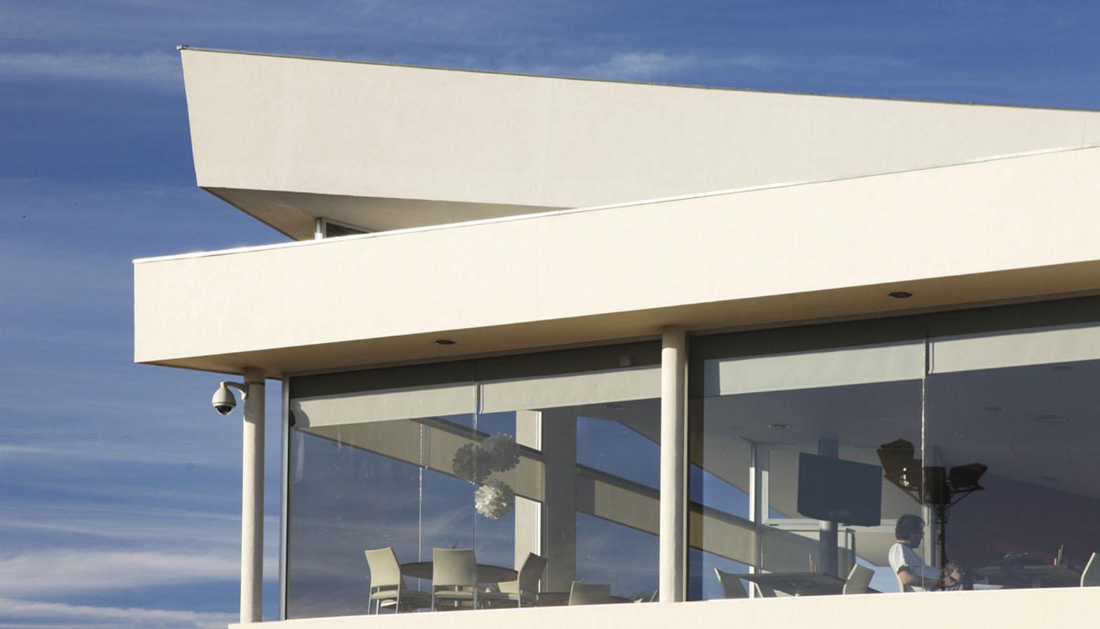 Cubiertas modernas, techos plegados, detalle de cubiertas
